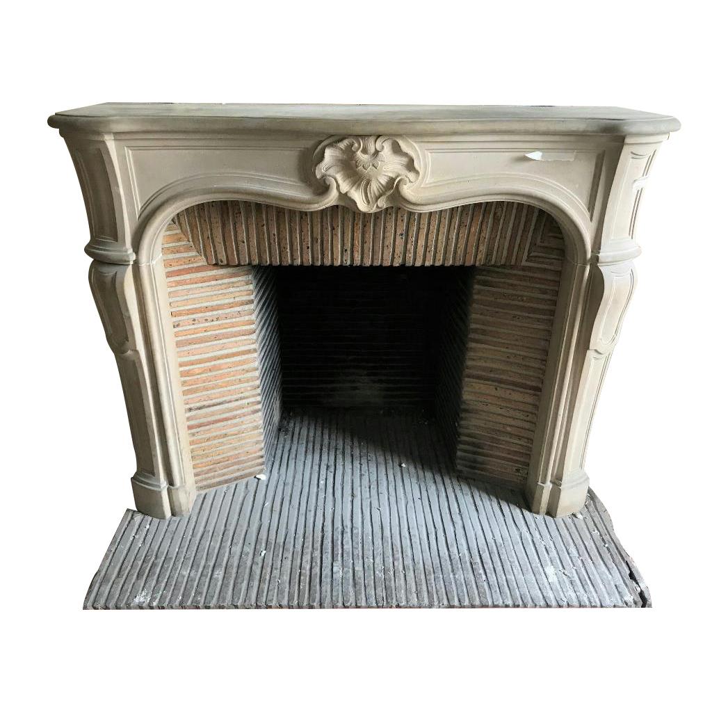 l gante petite chemin e en pierre de style louis xv chemin es camus fils. Black Bedroom Furniture Sets. Home Design Ideas
